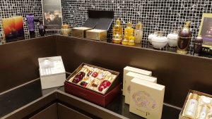 Whoo Spa dominates the VVIP service (K-Pop/ K-Drama Stars) space in Korea as they use the latest technology and have an exclusive, tucked away location...