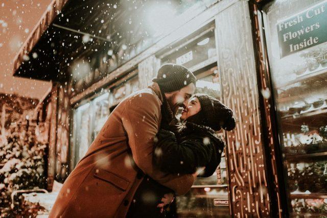 Kiss, Couple, Happy People, New Years Eve Toronto Lifestyle Blog