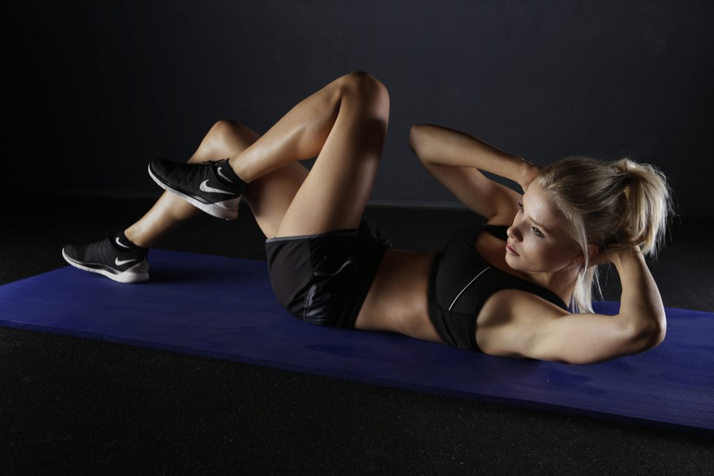 woman, exercise, fit, fitness, crunches, sit ups, f45, f45 challenge